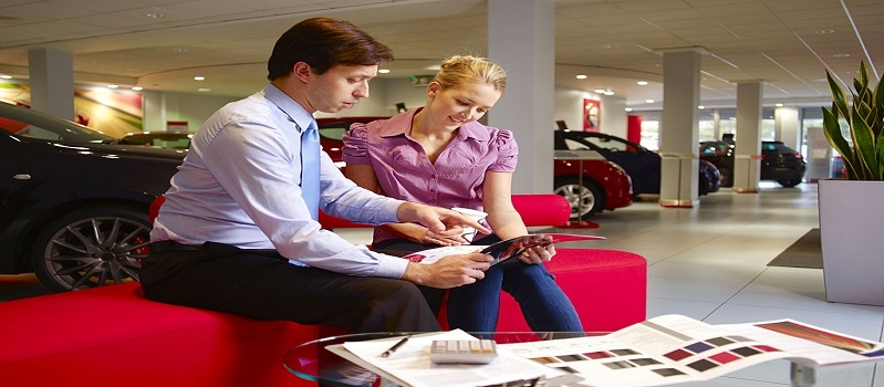How to Pick the Right Time of the Year to Buy a New Car